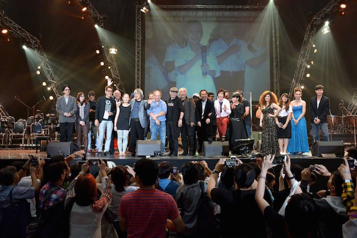 """บรรยากาศคอนเสิร์ตการกุศล """"ชีวิตเพื่อดนตรี 50 ปี จิรพรรณ ฯ"""